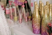 Bridal Showers / by Wedding Paris