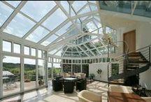 Wintergarten Aluminium / Der Wunsch nach Wohnqualität und kultiviertem Lebensstil sind die Gründe für die Beliebtheit von Wintergärten und Glasarchitektur.