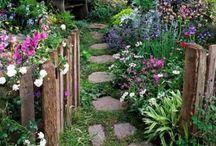 Jardines rústicos y patios de piedra