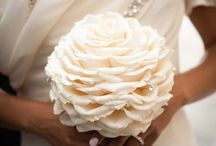 Wedding Bouquets / Lots of gorgeous wedding bouquets and floral arrangements.