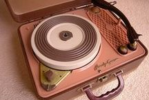 retro vinyl record players / our collection of record players with a retro look