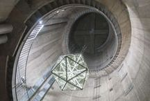 Bulk_Icosaedro / Bulk_Icosaedro, Installazione permanente presso la Torre del Chianti di S. Casciano in Val  di Pesa (FI). Frutto della collaborazione tra l'artista Patrizio Travagli e il gruppo di architetti di WOKdesign Angelo Basso, Leonardo Biagi e Marco Giachetti.