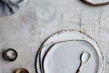 On met le couvert | 1Faim2Loups / Vaisselle, ustensiles, planches ; toutes ces petites merveilles qui se cachent derrière un bon p'ti plat.
