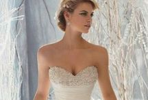 Wedding Style / Beautiful wedding dresses, shies, veils and jewelry / by Kat Schell