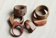 MATERIAL : Wood