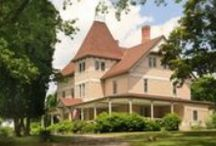 Crashing Hudson Valley Style / Cabins, B&Bs, inns, and resorts