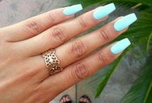 nails / by roxy