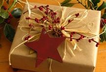Christmas Wrapping Ideas / It is always nice to receive a gift that is wrapped so thoughtfully...Here are some awesome gift wrapping ideas that you can use for Christmas!