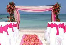 Beach & Tropical wedding inspiration / Beach wedding. Romantic and relaxed.  Many expectant couples use shades of blue and beige with white combined. See here how great it is, if you don't use these colors. Use colors like pink, orange, yellow, purple ....