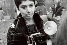 """Photo: Diane Arbus / """"A photograph is a secret about a secret. The more it tells you the less you know.""""  """"Acredito sinceramente que existem coisas que ninguém veria, se eu não as tivesse fotografado."""""""