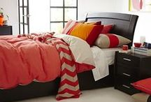 Contemporary Bedrooms / At Snooze, the Contemporary look is sleek, simple and modern. To create your Contemporary bedroom, choose from our range of stunning bed frames and bedheads, chest of drawers, mirrors and bedside tables in black, white and neutrals. Add a pop of colour with a bright red quilt cover, fresh lime cushion or dark purple throw. And that's just for starters.