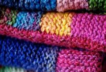 Knitted bedroom blankets / Add some warmth to your winter bedroom with a gorgeous hand-knitted blanket.