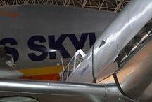 L'aéronotique / Pour entrer dans l'univers de ces avions de légende, du Concorde à l'A380, direction Toulouse. La ville rose est leur berceau. A deux pas du Capitole, les sites Airbus vous ouvrent les portes de leurs usines d'assemblage. Plusieurs circuits de visite vous sont proposés. / by Tourisme Midi-Pyrénées