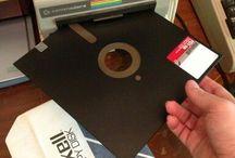 Tecnología Vintage / #AquaeSolutions nació en 1989, la época de los floppydisk por eso nos gusta la #Tecnología #vintage