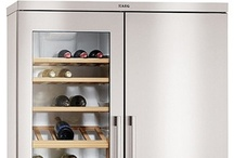 Fridges & Freezers / An extensive range of fridges, freezers and fridge freezers to suit every budget, space and design from leading brands such as Electrolux, Whirlpool, AEG, Rangemaster & Zanussi.