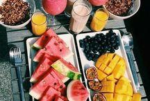 Breakfast time!!!