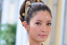 東南アジア ファッション / 東南アジアのファッション、民族衣装、モデルなど / by kelly