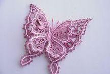 Bobbin lace and frivolite