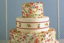 Cakes / Traditional and some not so traditional wedding cake ideas.