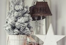 ✲ яσcкιη' αяσυη∂ ✲ / Christmas tree, and decoration Ideas. And ornaments.