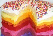 c a k e s / Fun, creative cakes.