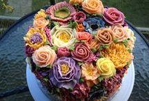 cakes / by Minou Flores