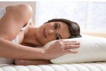 Pillows / We are specialists in this department. We have a huge range of natural and synthetic pillows; polypropylene, polycotton, anti-allergy, Egyptian cotton, brushed microfiber, natural duck feather and down, natural goose feather and down, goose down, Hungarian goose down. Available in all weights; 600, 750, 800, 1000 and 1200 gram. Single pillows, pair and 4 packs.
