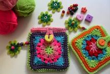 "Crochet Bags, Totes, Purses, Cases, Etc. (Corona) / This board includes cases for electronics (Geek Gadgets) iPhones, iPods, iPads, tablets, Kindle, Nook....you get the idea! I'll even pin shapes (like patterned afghans) that may eventually lead to a purse! Most of the patterns I pin ""originally"" to this board are FREE. Enjoy! ¯\_(ツ)_/¯ / by Corona"