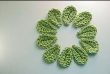 "Crochet Leaves and Flowers (Corona) / ❀ Hope you can find something that catches your fancy! Most of the patterns I pin ""originally"" to this board are FREE. Enjoy!  ❀ ¯\_(ツ)_/¯ ☀CQ / by Corona"