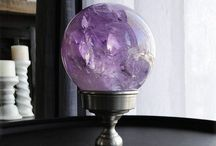 Crystal ball / Why Crystal balls? 'Cause it's me. For many and many reasons, I can state that I am a Crystal Ball.