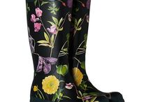 Hunter Wellingtons / Hunter wellingtons offer performance and style. Great for working outside or going to a festival.