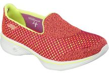 Skechers GoWalk 4 / Skechers trainers and casual shoes. New GoWalk 4 are great for sports, training and the gym. Comfortable and lightweight.