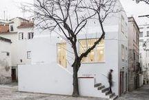 House -  «É com certeza uma casa portuguêsa» / by Carolina Ferreira
