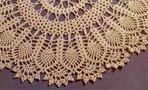 Tapetes / Adoro tapetes de crochê, faço para minha casa e vendo também.