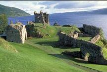 Loch Ness / Le Loch Ness, l'un des lacs les plus fameux d'Ecosse, fait toujours autant rêver.