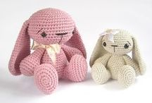 From Yarn to the Toy / Knitted toys from around the world