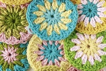 Circles & polygones / Variations of crocheted circles and polygones