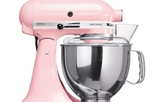 KitchenAid goes Pink <3 / Donations from every pink KitchenAid product sold goes towards the Breast Cancer Network Australia & NZ.