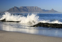 Bloubergstrand, Cape Town / Bloubergstrand is situated on the Blaauwberg Coast about 20 minutes drive from the Cape Town city centre and about 30 minutes from Cape Town's Airport. Bloubergstrand is is the gateway to the seafood Mecca of the Cape West Coast. http://www.sa-venues.com/attractionswc/bloubergstrand.php