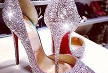 Style - Shoes / by Lyoness Rose