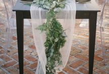 Table runners / What better way to dress that luscious long table here's some inspiration to get you started!