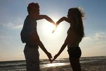 Valentines Day on the Beach  / Feel the love at the beach with these beautiful ideas.