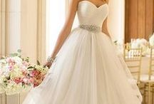 Wedding Dress / Gorgeous wedding dresses that we are in love with!