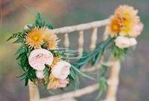 Floral Chair Decor / WEDDING CHAIRS #DIYWEDDING #DIYFLOWERS