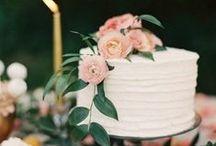 Wedding Cakes / Gorgeous and delicious Wedding cakes. Wedding cakes with fresh flowers and more. Buy bulk wholesale wedding cake flowers at www.bulkwholesaleflowers.com