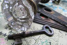 Keys, Knobs, Doors, Hinges / by Lindsay Garner