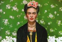 Frida Kahlo / Frida Kahlo, all'anagrafe Magdalena Carmen Frieda Kahlo y Calderón (Coyoacán, 6 luglio 1907 – Coyoacán, 13 luglio 1954), pittrice messicana.