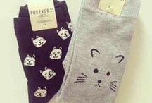 Socks / Why is there not a sock emoji?
