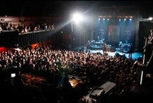 Seeing live music in Denver / Denver has a fantastic music scene filled with every genre from bluegrass and country to indie and hip hop. Be sure to check the concert dates of these venues to catch a live show during your stay!