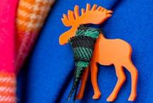 How to Wear Brooches / Brooches could give a lot of charm and fun to your outfits. Wear it with winter coats, Christmas jumpers and even with hats and scarves. Discover brooches for animal lovers with KiviMeri.